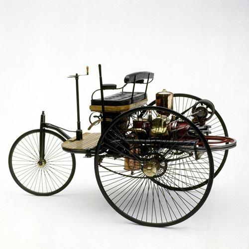 1886 год - первый 3-х колесный автомобиль Mercedes